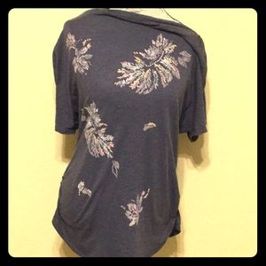 T.LA relaxed fit drapes flowers ruched tee